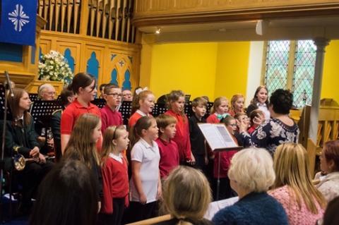 Parkhead School Choir entertain